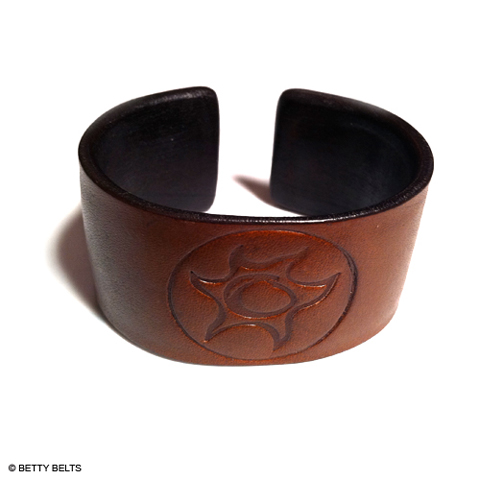 Embossed Leather Cuff Bracelet - Havassy Sol